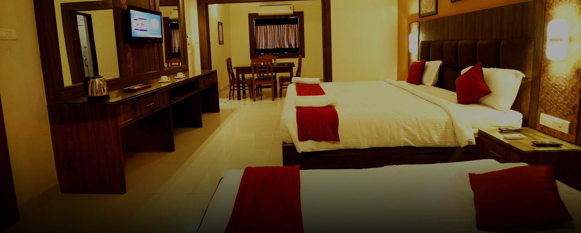 Deluxe Rooms - Celebrity Resort
